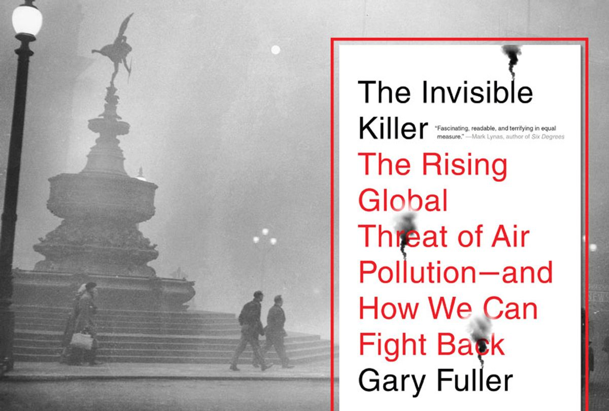 """Heavy smog in Piccadilly Circus, London, 6th December 1952.; """"The Invisible Killer: The Rising Global Threat of Air Pollution : and how We Can Fight Back"""" by Gary Fuller (Getty/Central Press/Hulton Archive/Penguin Random House)"""