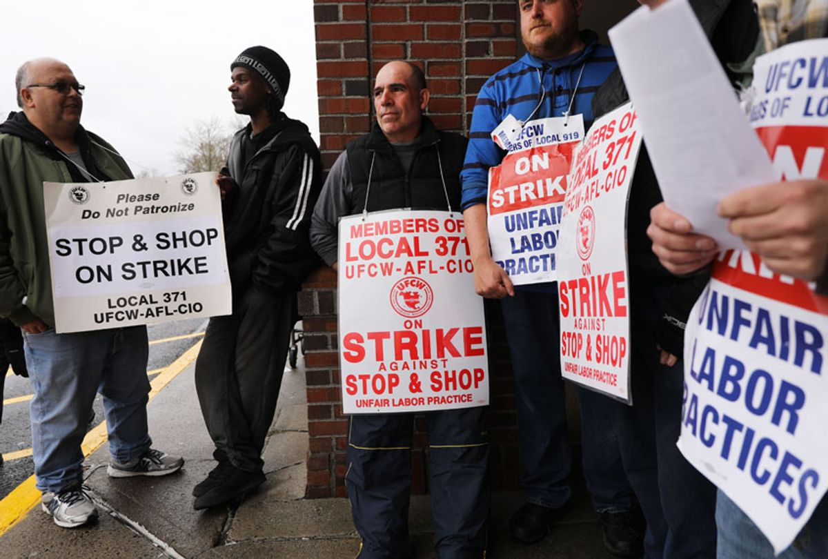 Stop & Shop workers strike outside of one of the grocery stores on April 20, 2019 in Westport, Connecticut.  (Getty/Spencer Platt)