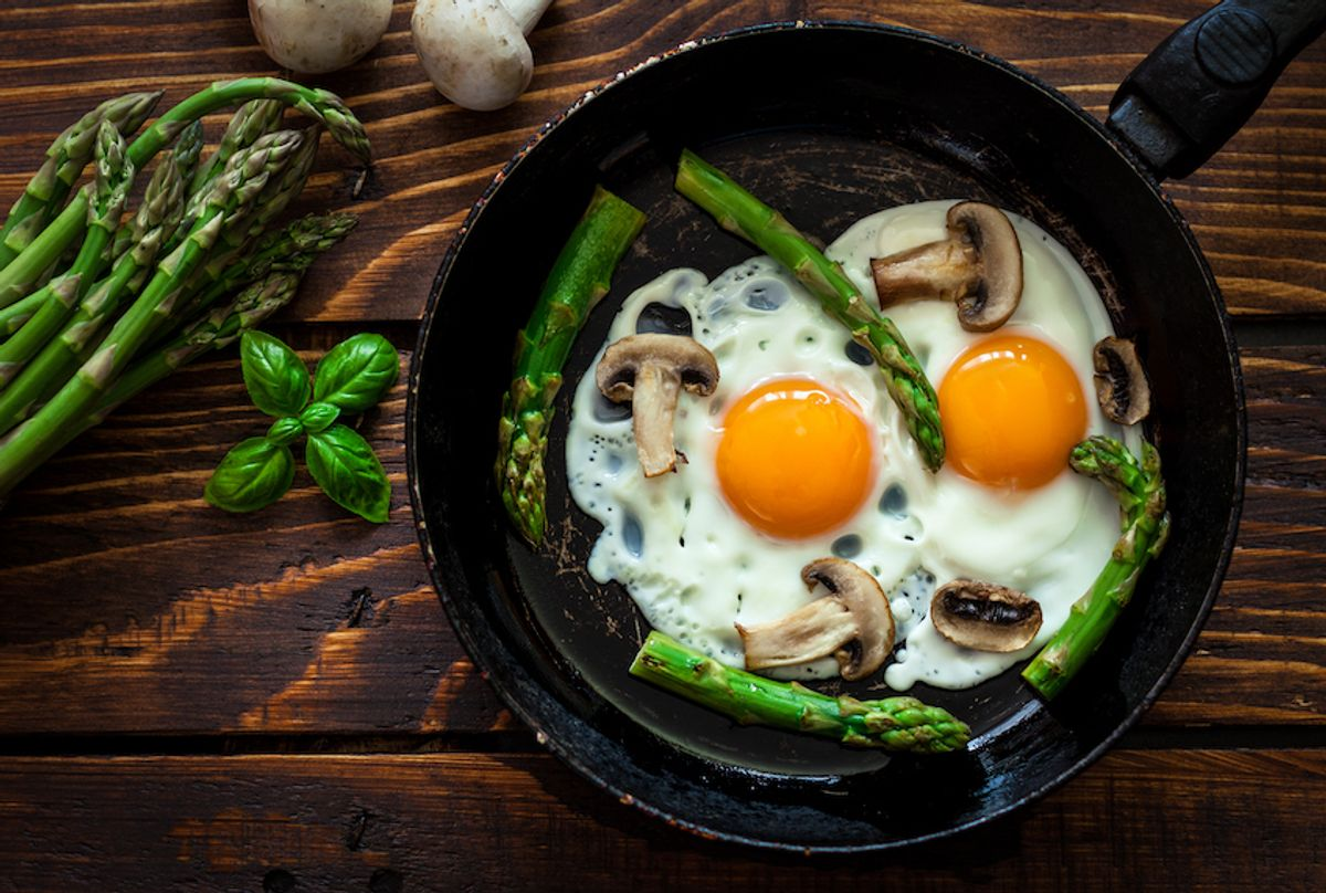 Fried Eggs With Asparagus and Mushrooms (Getty Images)