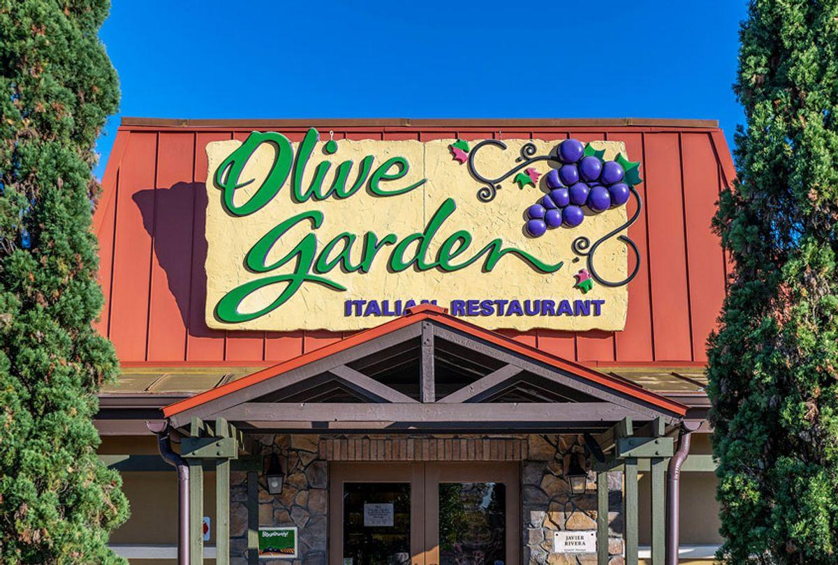 Olive Garden restaurant exterior (John Greim/LightRocket via Getty Images)