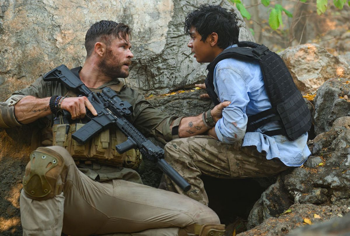 """Chris Hemsworth and Rudhraksh Jaiswal in """"Extraction"""" (Netflix)"""