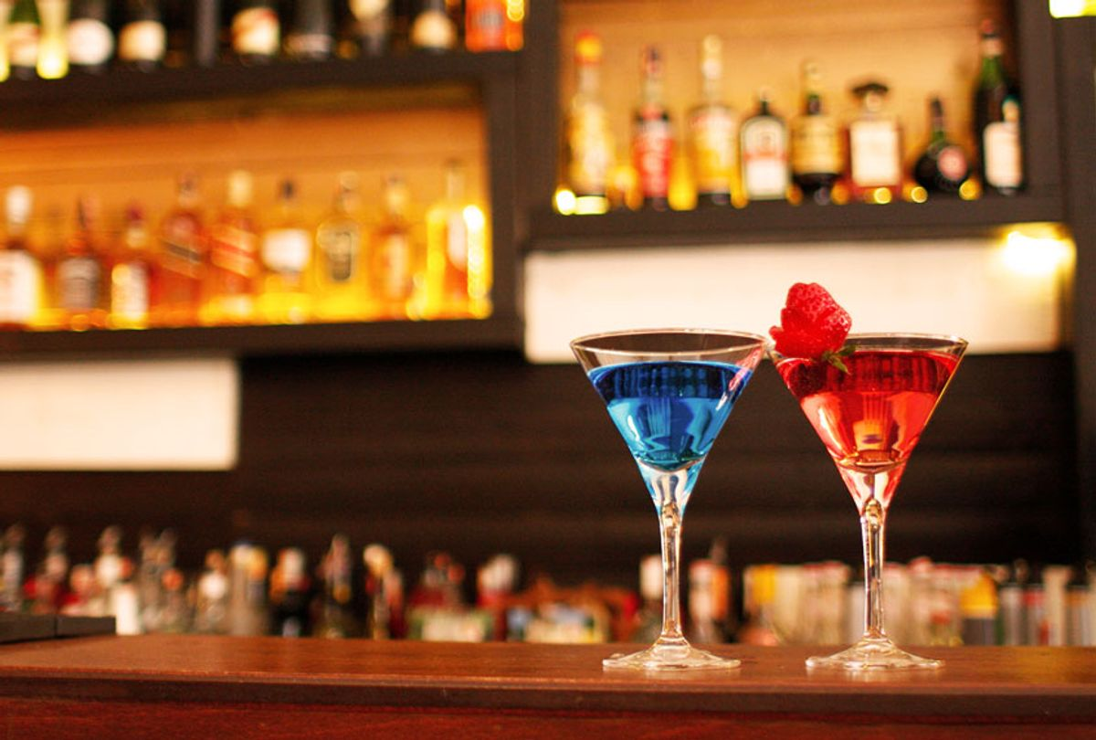 Cocktails at the bar (Getty Images)