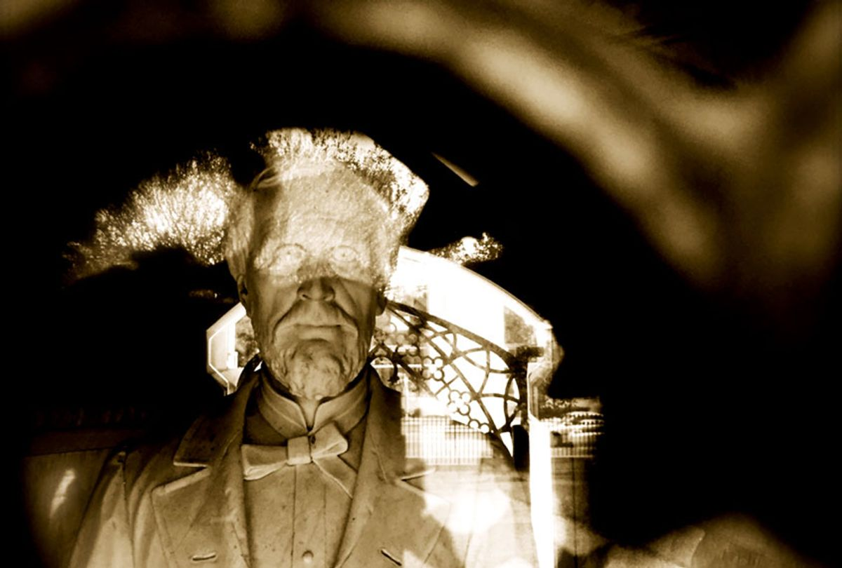 Statue of Jefferson Davis inside a crypt in Mississippi (Dwaine Rieves)