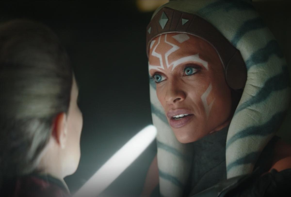 "On ""The Mandalorian,"" Rosario Dawson as Ahsoka Tano confronts Magistrate Elspeth (Disney+)"