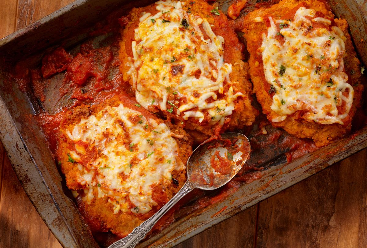 Chicken Parmesan Baked in Tomato Sauce (Getty Images/Lauri Patterson)
