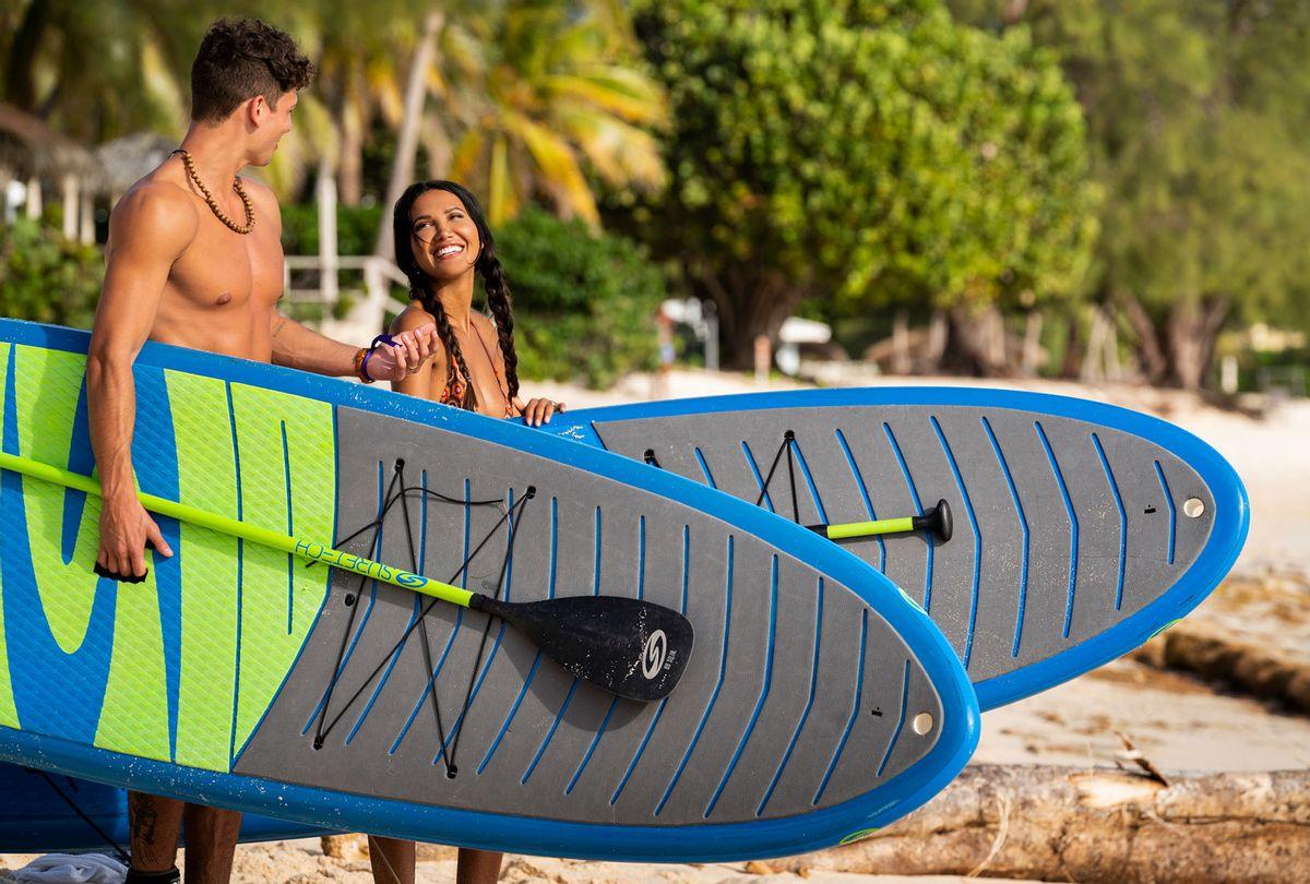 "Casey Johnson and CJ Franco on ""FBoy Island"" (Julie Corsetti/HBO Max)"
