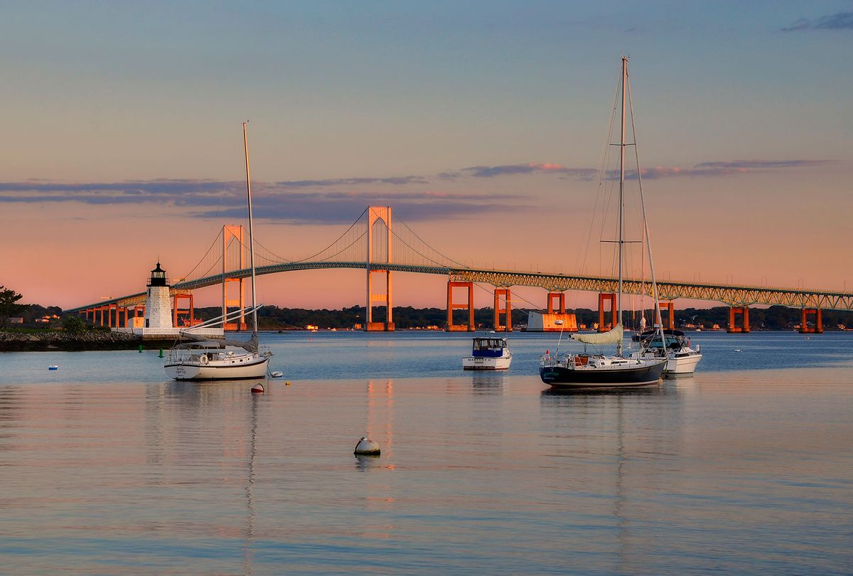 Goat Island lighthouse and the Jamestown at sunrise, Newport, Rhode Island (Getty Images/Shobeir Ansari)