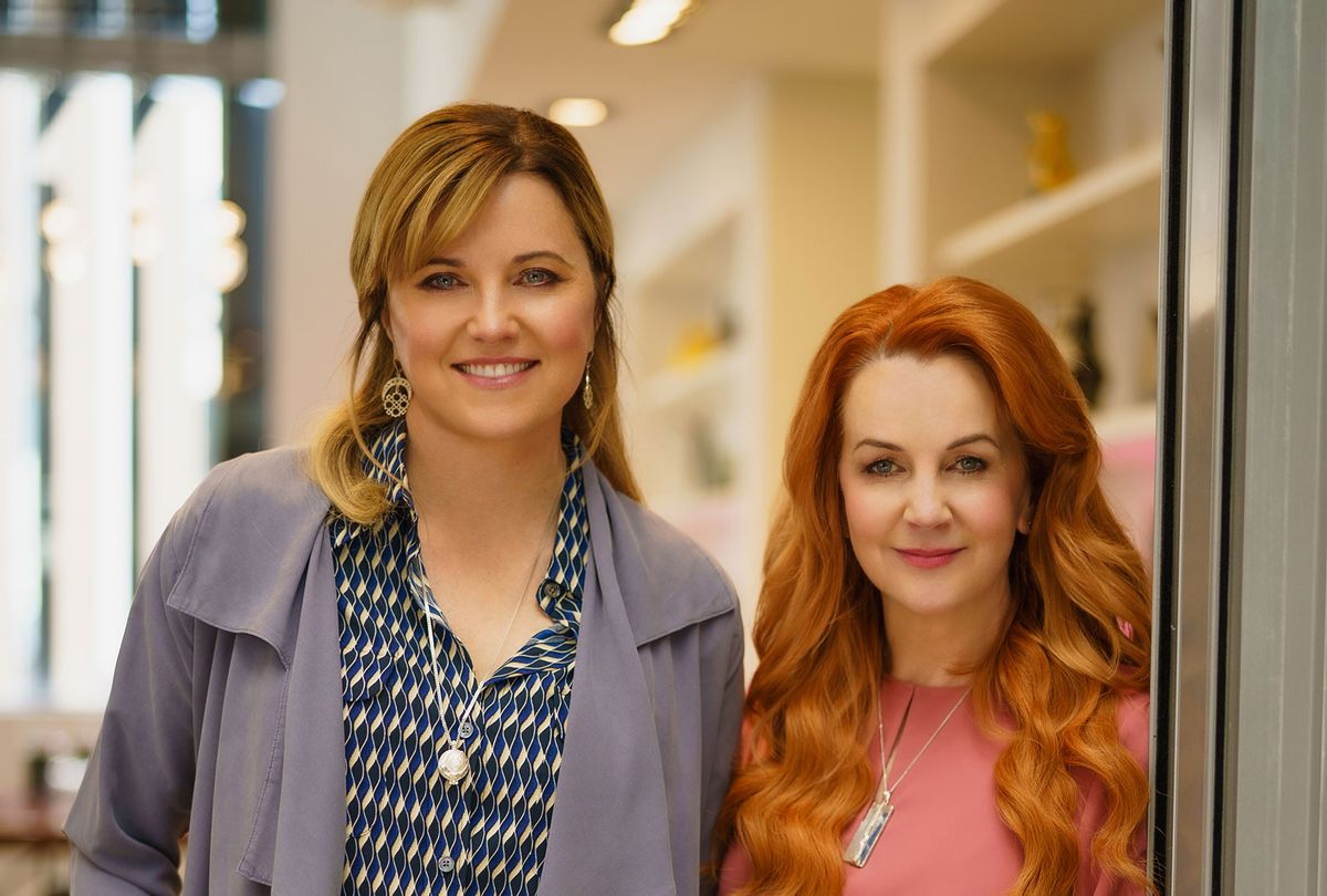 """Lucy Lawless and Renee O'Connor on set of """"My Life Is Murder"""" (Acorn TV)"""