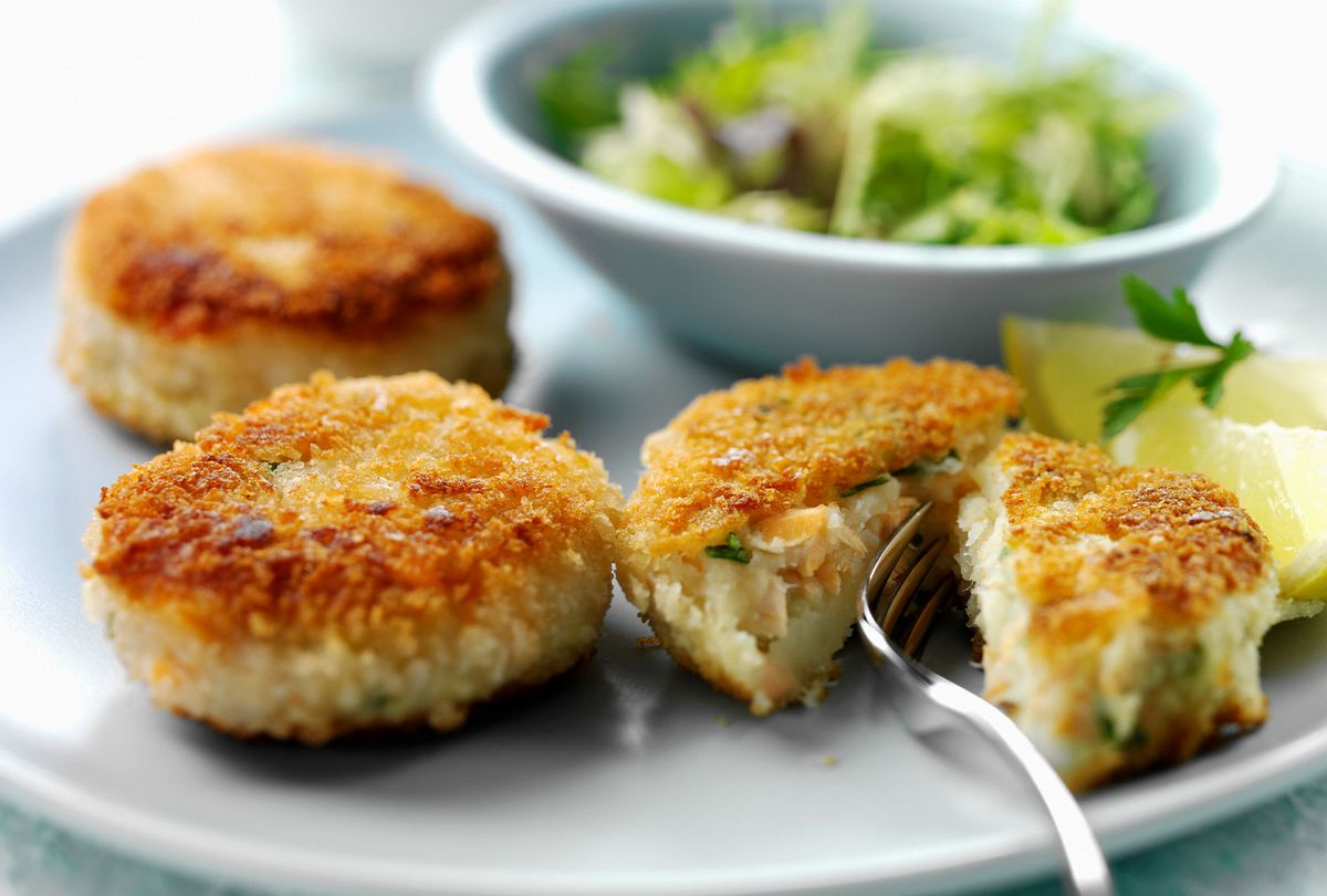 Crab Cakes (Getty Images/Joff Lee)
