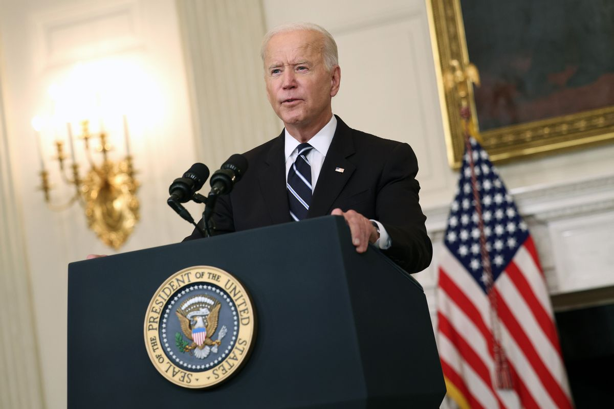 U.S. President Joe Biden speaks about combatting the coronavirus pandemic in the State Dining Room of the White House on September 9, 2021. (Kevin Dietsch/Getty Images)
