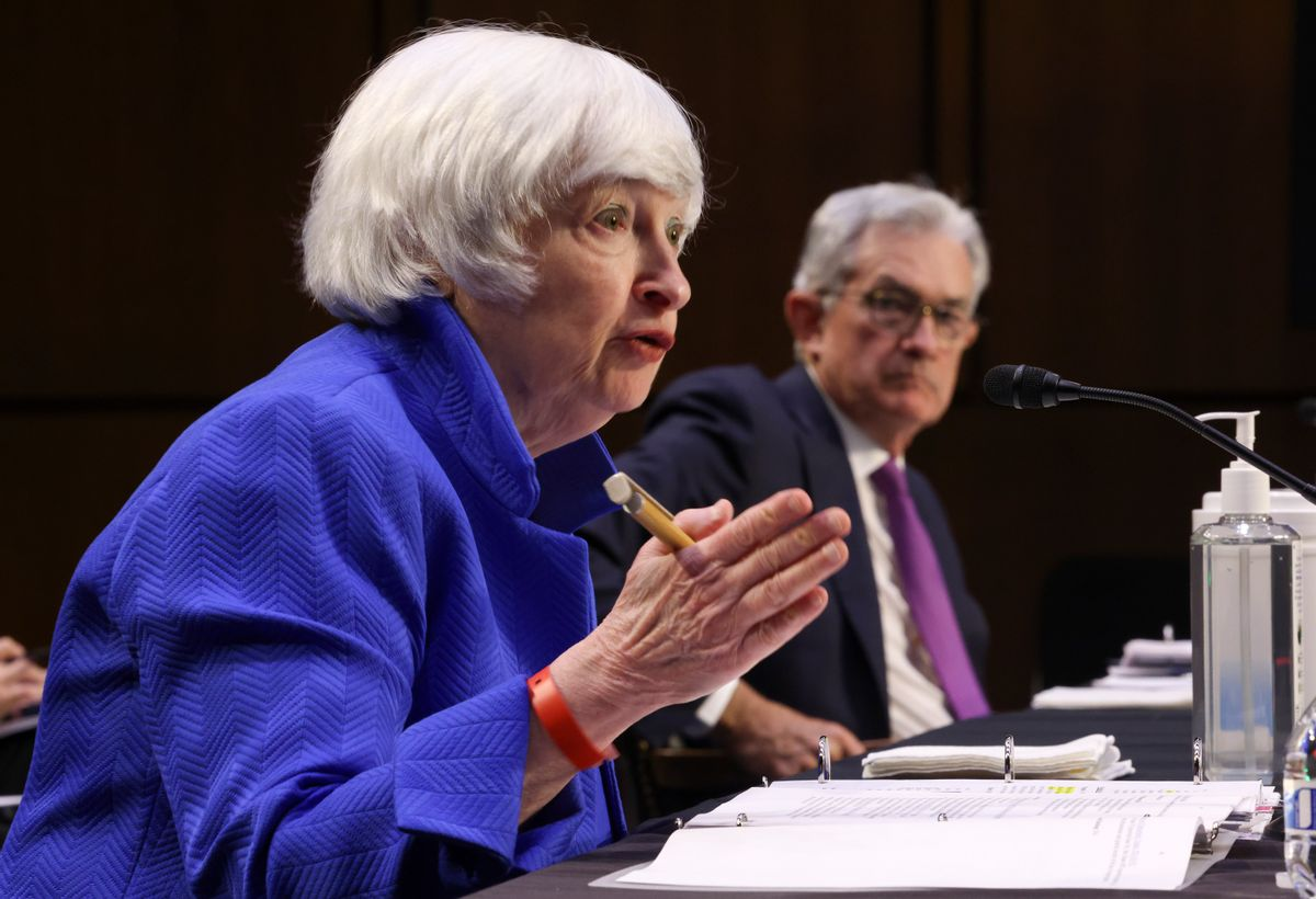 Treasury Secretary Janet Yellen and Federal Reserve Chairman Jerome Powell testify during a Senate Banking, Housing and Urban Affairs Committee hearing on the CARES Act, on Sept. 28. (Kevin Dietsch/Getty Images)
