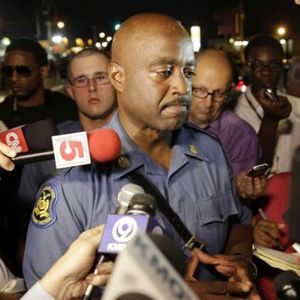 No, Missouri Highway Patrol Capt. Ron Johnson isn't throwing up gang signs