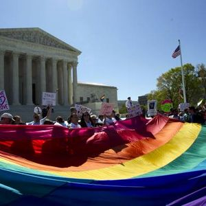 Supreme Court extends same-sex marriage to all 50 states
