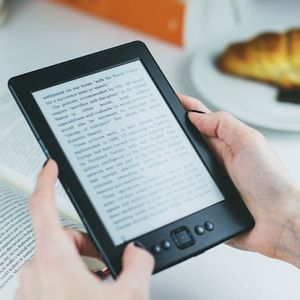 How to earn a passive income through self-publishing