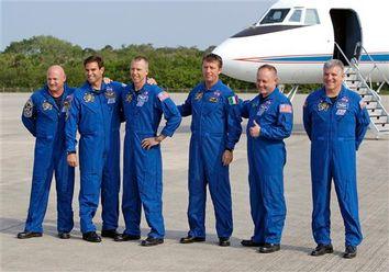 Mark Kelly, Greg Johnson, Mike Fincke, Drew Feustel, Roberto Vittori, Greg Chamitoff