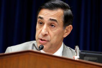 Congressman Issa speaks during