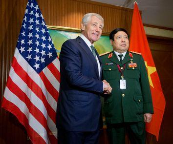 Chuck Hagel, Phung Quang Thanh