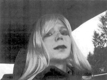 Bradley Manning, Chelsea Manning