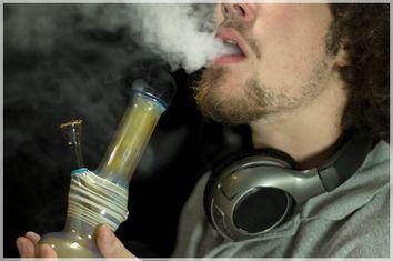 Bong Smoker
