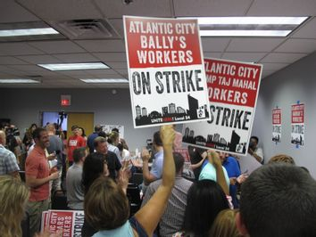Atlantic City Casino Strike 6-29-16 photo 5 of 7