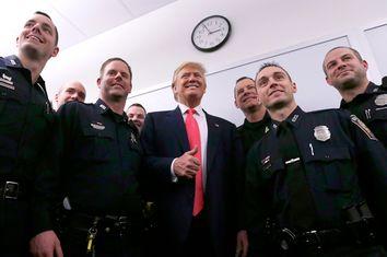 Donald Trump, Police