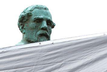 Robert E. Lee; Confederate Monuments