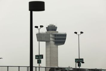 Trump Announces Support For Privatization Of Air Traffic Control System