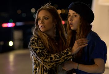 Billie Lourd and Kaitlyn Dever in