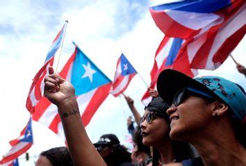 TOPSHOT-PUERTORICO-US-POLITICS-PROTESTS