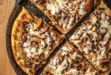 Sautéed Onion Mushroom Spicy Sweet Jalapeño Flatbread