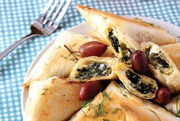 Spinach Pie Triangles; Spanakopitakia