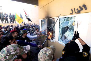 Iraqi protesters; US Embassy