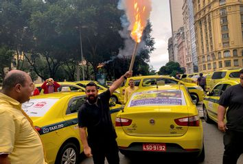 Uber; Taxi; Brazil; Protest