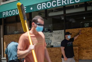 Grocery Store; Looting; Protest;