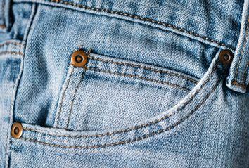 Little pocket in jeans