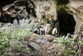 Archeology; Kenya; Mtoto