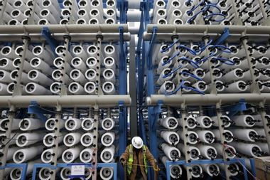 Slaking the world's thirst with seawater dumps toxic brine in oceans