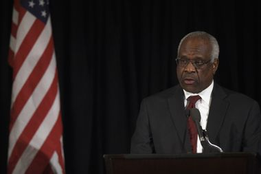 """Clarence Thomas introduces """"roadmap"""" to Trump's pledge to change libel laws to sue media: professor"""