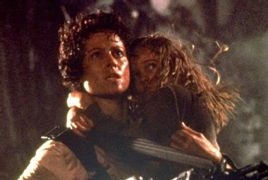 "Sigourney Weaver as Ellen Ripley and Carrie Henn as Rebecca ""Newt"" Jorden in ""Aliens"""