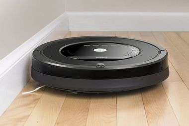 This robotic vacuum cleaner tidies your space with ease