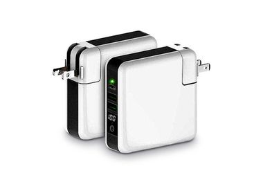 This 3-port charger can be used universally and wirelessly