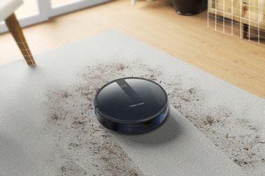 This robot vacuum takes care of household messes