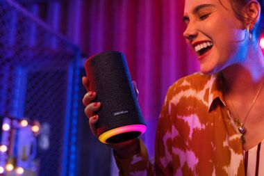 This ultra-powerful speaker delivers immersive sound