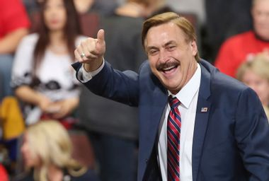 Mike Lindell's new social platform crashes — and MyPillow guy didn't even notice