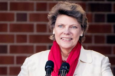 """A trailblazing figure"": Former ABC News journalist Cokie Roberts dies at 75"