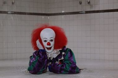 """All hail Tim Curry's Pennywise, the definitive evil """"It"""" clown"""