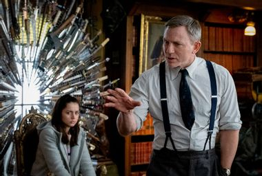 Ana De Aramas; Daniel Craig; Knives Out