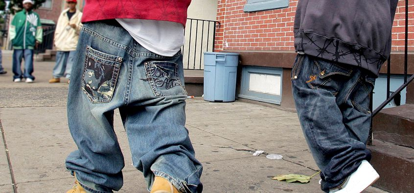 sagging jeans For years, we've watched men in sagging pants waddle like penguins on our  streets now, the era of sagging pants is ending here's why.