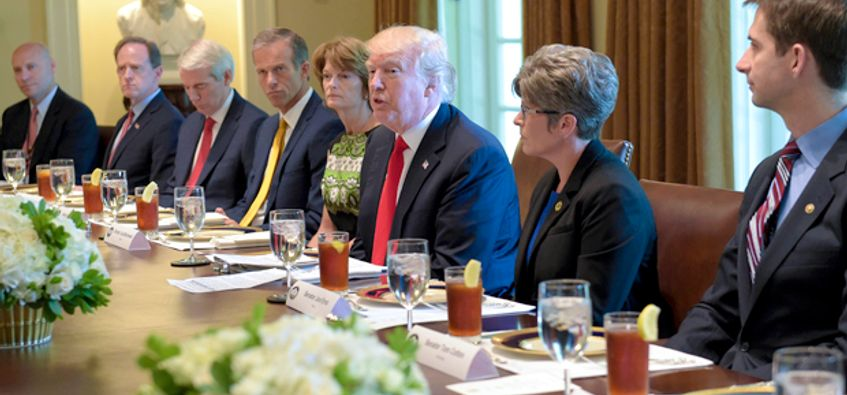 President Trump Just Had Another Praise And Prayer Filled Cabinet Meeting    Salon.com