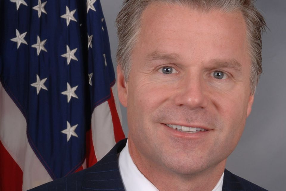 Congressman Resigns After Trolling for Bootie on